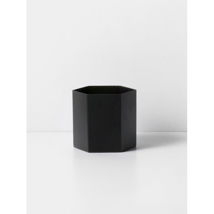 Hexagon pot large black