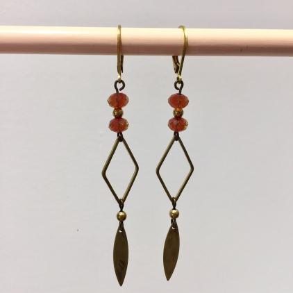 Boucles d'oreille duo de perles losange et feuille brun