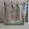 Boucles d'oreilles Maelys, rond petite chaine et goutte corail