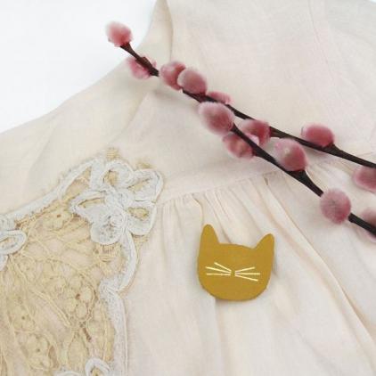 Broche chat tomette