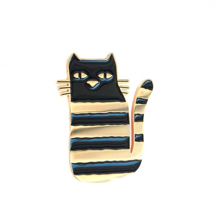Golden pin cat