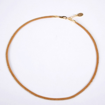 collier cuir et or moutarde